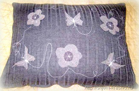 Из старой юбки – новые подушки.Переделка